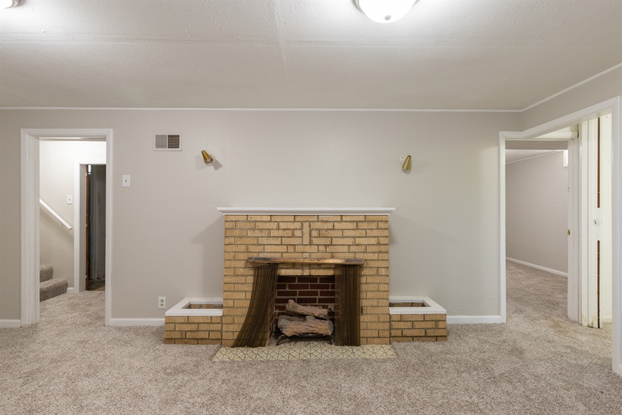 Real Estate Photography - 2116 S OLD MANOR RD, WICHITA, KS, 67218 -