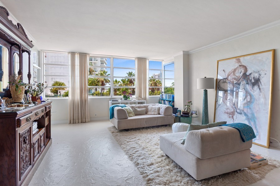 Real Estate Photography - 20 Island Ave, 405, Miami Beach, FL, 33139 - Living Room