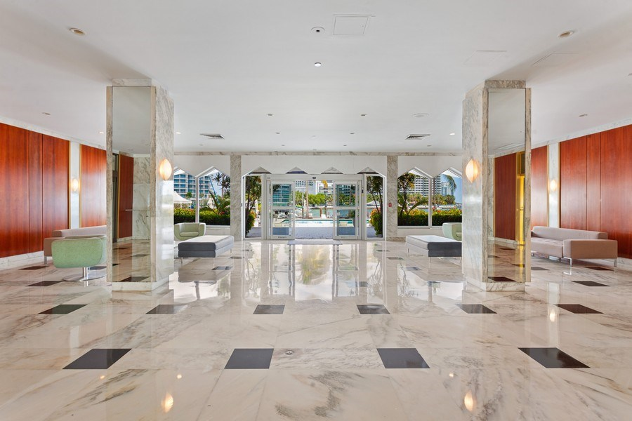Real Estate Photography - 20 Island Ave, 405, Miami Beach, FL, 33139 - Lobby