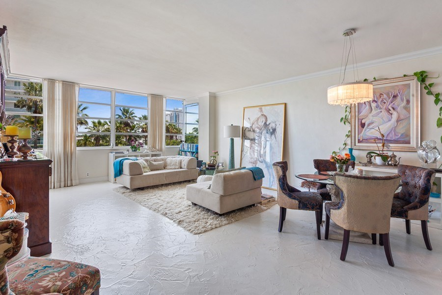 Real Estate Photography - 20 Island Ave, 405, Miami Beach, FL, 33139 - Living Room / Dining Room