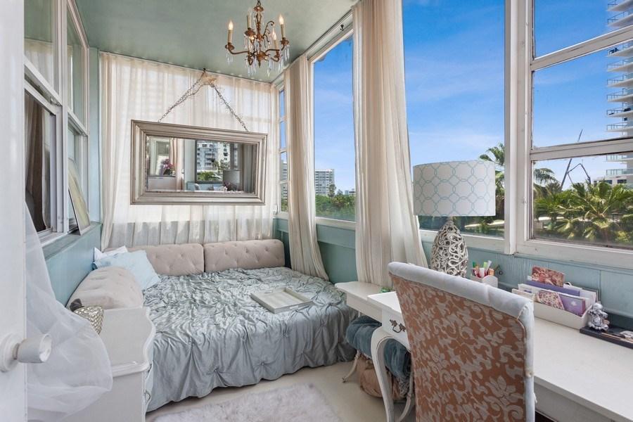 Real Estate Photography - 20 Island Ave, 405, Miami Beach, FL, 33139 - Sun Room