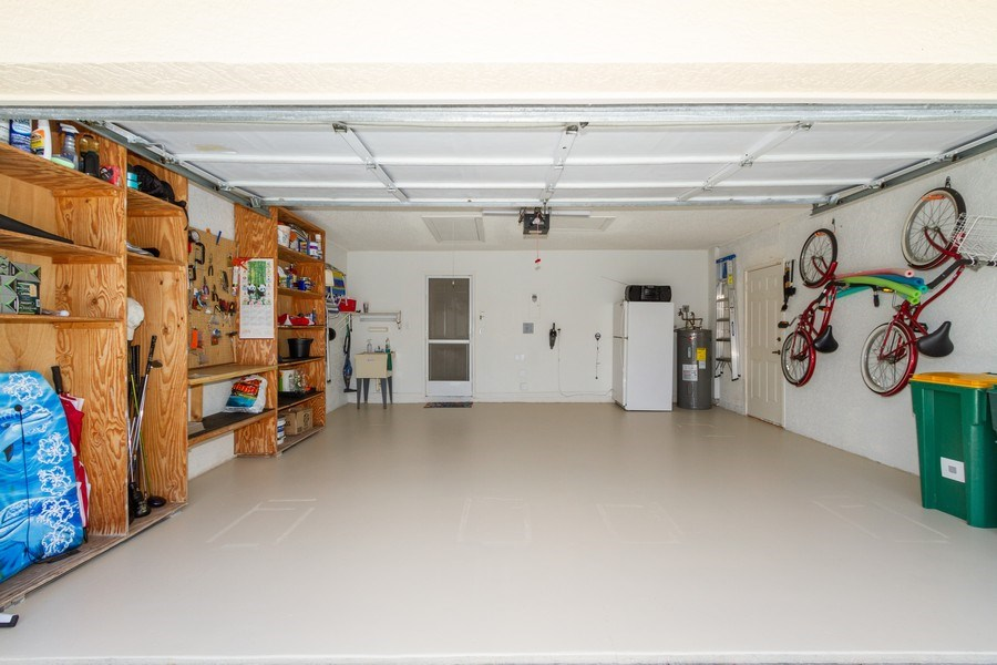Real Estate Photography - 1070 Marblehead Dr, Naples, FL, 34104 - Garage