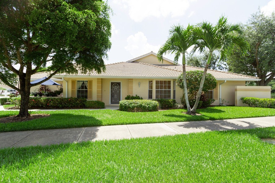 Real Estate Photography - 1070 Marblehead Dr, Naples, FL, 34104 - Front View
