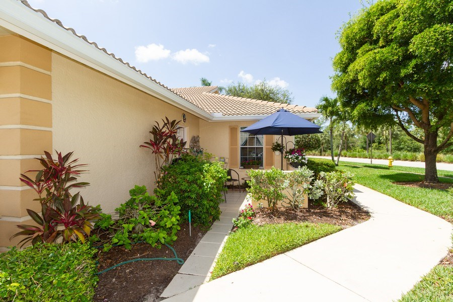 Real Estate Photography - 1070 Marblehead Dr, Naples, FL, 34104 - Side View