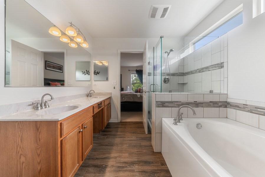Real Estate Photography - 583 Donna Ave, Aurora, IL, 60505 - Master Bathroom