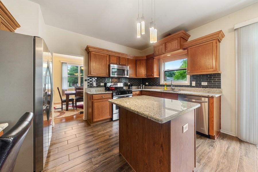 Real Estate Photography - 583 Donna Ave, Aurora, IL, 60505 - Kitchen