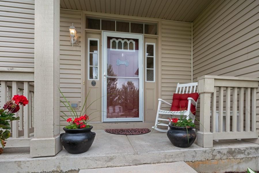 Real Estate Photography - 583 Donna Ave, Aurora, IL, 60505 - Porch