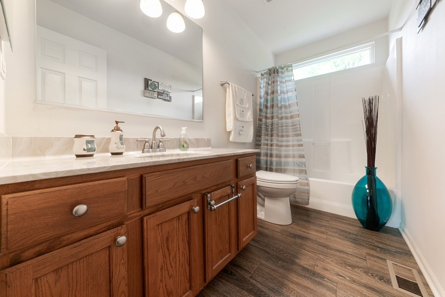 Real Estate Photography - 583 Donna Ave, Aurora, IL, 60505 - 2nd Bathroom
