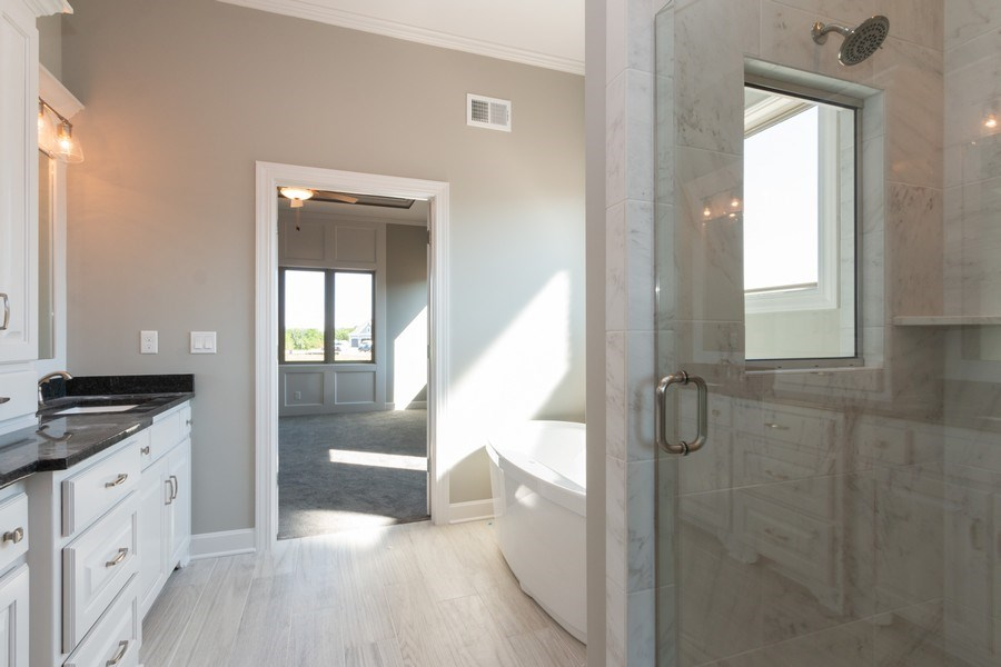 Real Estate Photography - 9390 Brownridge, Lenexa, KS, 66220 - Master Bathroom