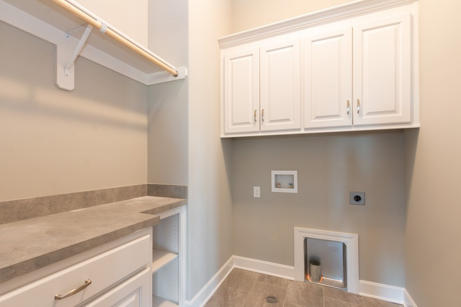 Real Estate Photography - 9390 Brownridge, Lenexa, KS, 66220 - Laundry Room