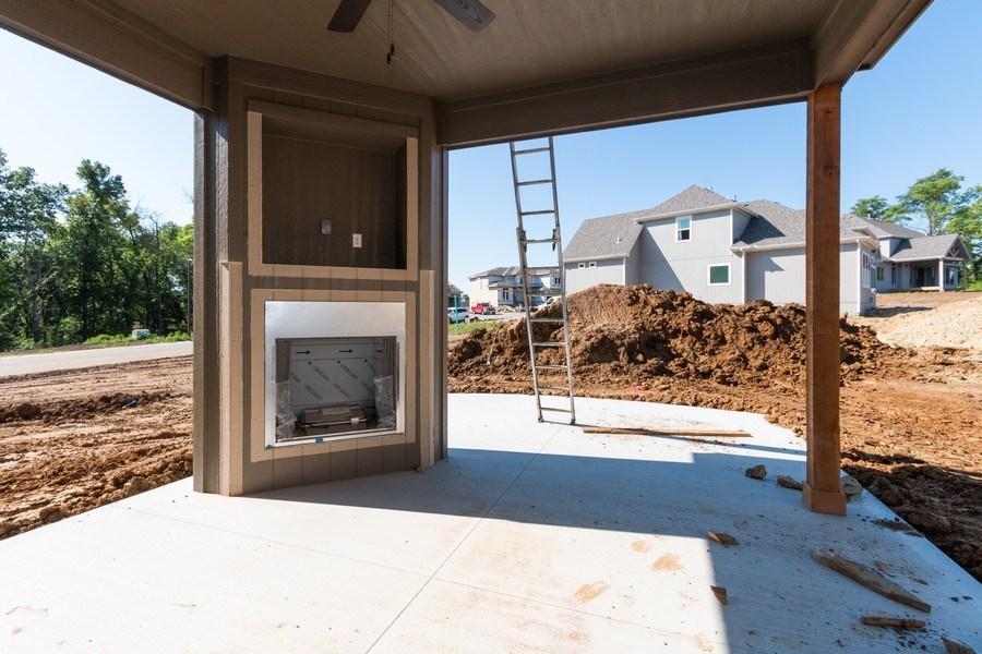 Real Estate Photography - 21601 W 93rd Ter, Lenexa, KS, 66220 - Porch
