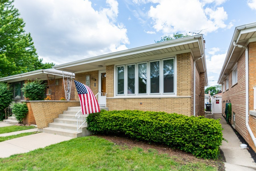 Real Estate Photography - 6154 W 64th Pl, Chicago, IL, 60638 - Front View