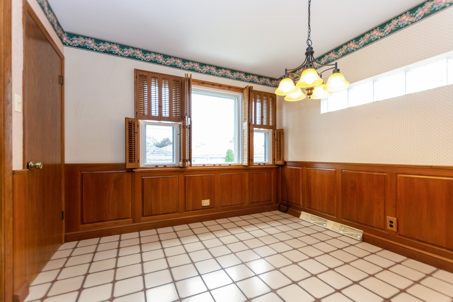Real Estate Photography - 6154 W 64th Pl, Chicago, IL, 60638 - Dining Room