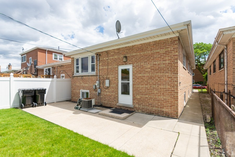 Real Estate Photography - 6154 W 64th Pl, Chicago, IL, 60638 - Rear View