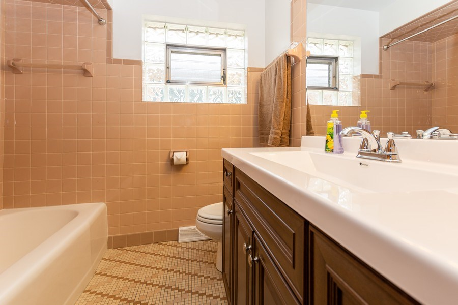 Real Estate Photography - 6154 W 64th Pl, Chicago, IL, 60638 - Bathroom