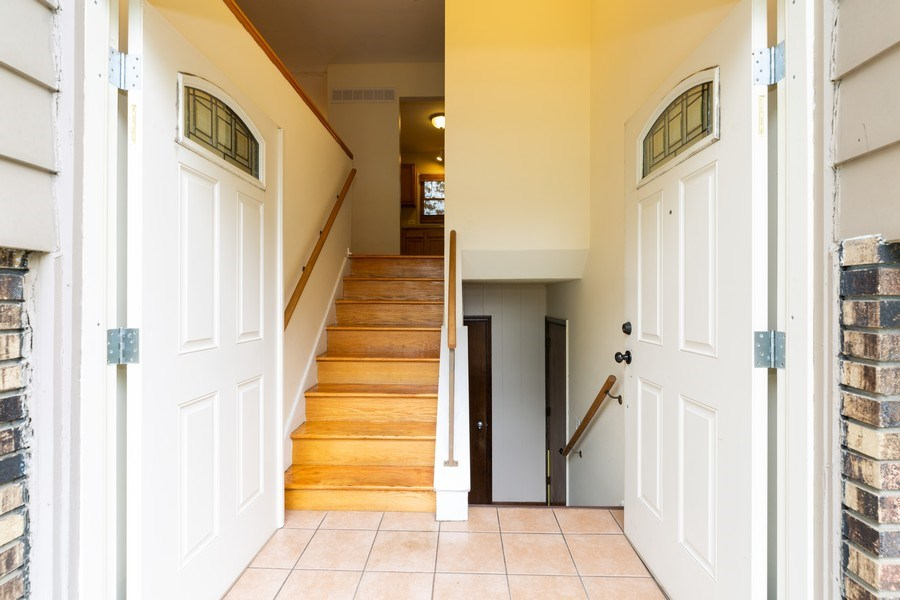 Real Estate Photography - 3009 Hopkins St, Steger, IL, 60475 - Foyer