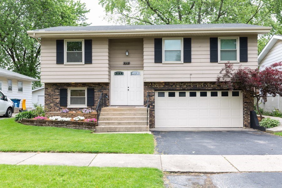 Real Estate Photography - 3009 Hopkins St, Steger, IL, 60475 - Front View