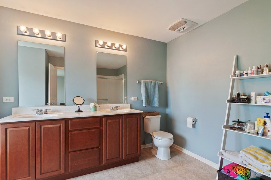 Real Estate Photography - 1565 Prospect Circle, Pingree Grove, IL, 60140 - Master Bathroom