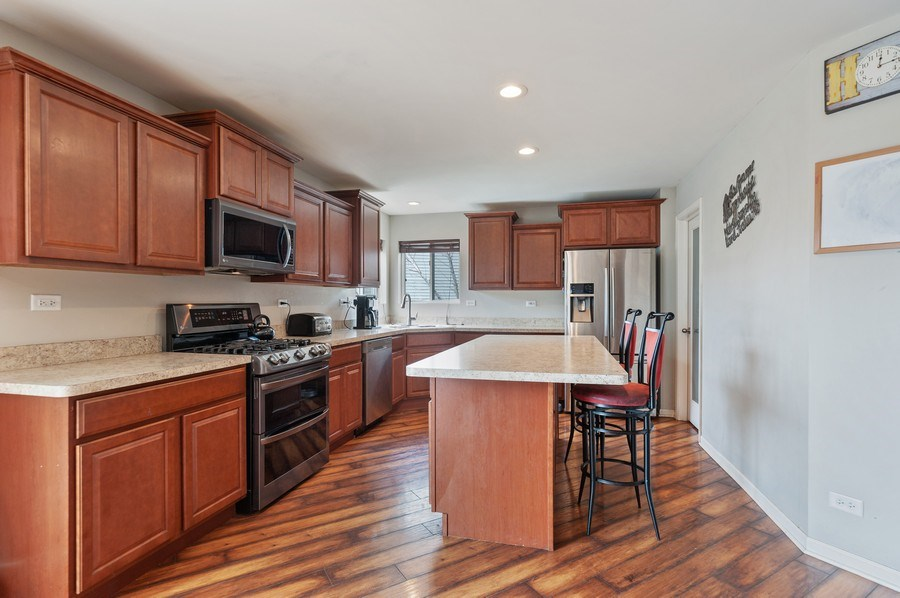 Real Estate Photography - 1565 Prospect Circle, Pingree Grove, IL, 60140 - Kitchen