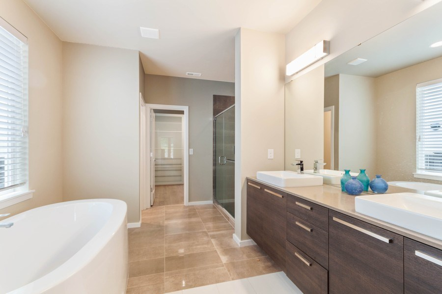 Real Estate Photography - 35516 S 56th Ave, Auburn, WA, 98001 - Master Bathroom