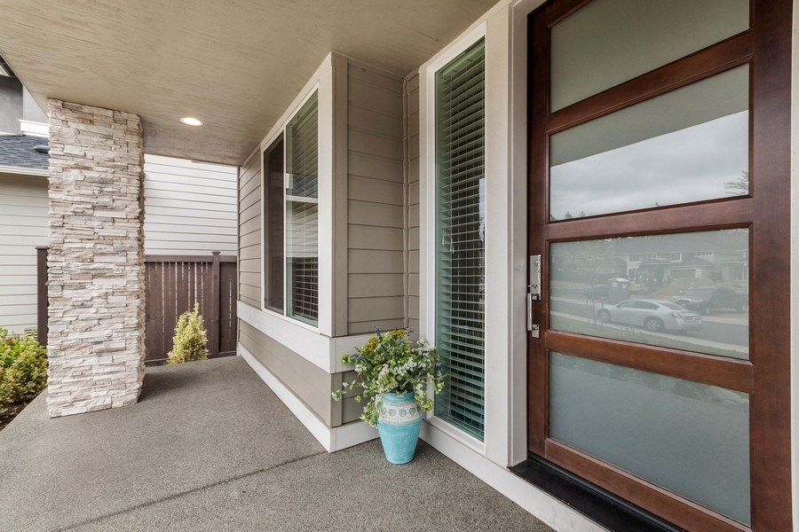 Real Estate Photography - 35516 S 56th Ave, Auburn, WA, 98001 - Porch