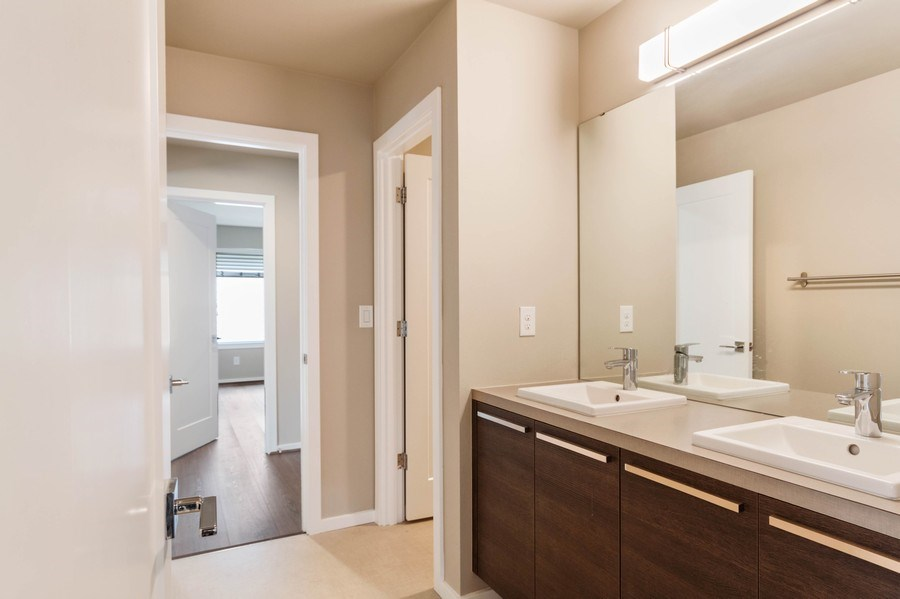 Real Estate Photography - 35516 S 56th Ave, Auburn, WA, 98001 - 2nd Bathroom