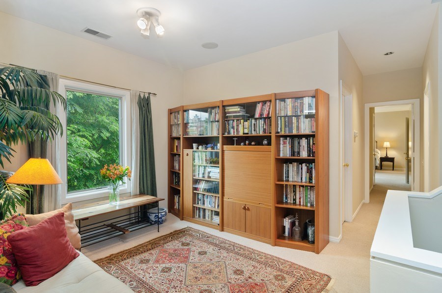 Real Estate Photography - 1443 Cleveland, Chicago, IL, 60610 - Sitting Room
