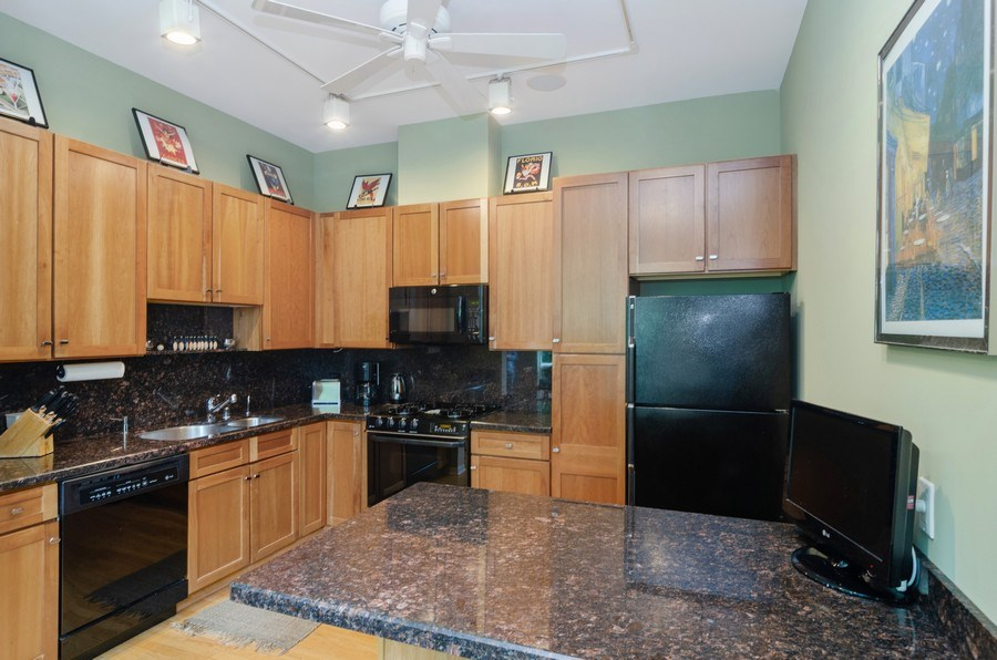 Real Estate Photography - 1443 Cleveland, Chicago, IL, 60610 - Kitchen