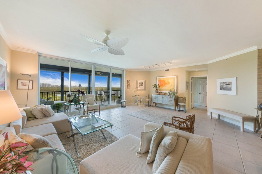 Real Estate Photography - 425 Cove Tower Dr, Naples, FL, 34110 - Living Room