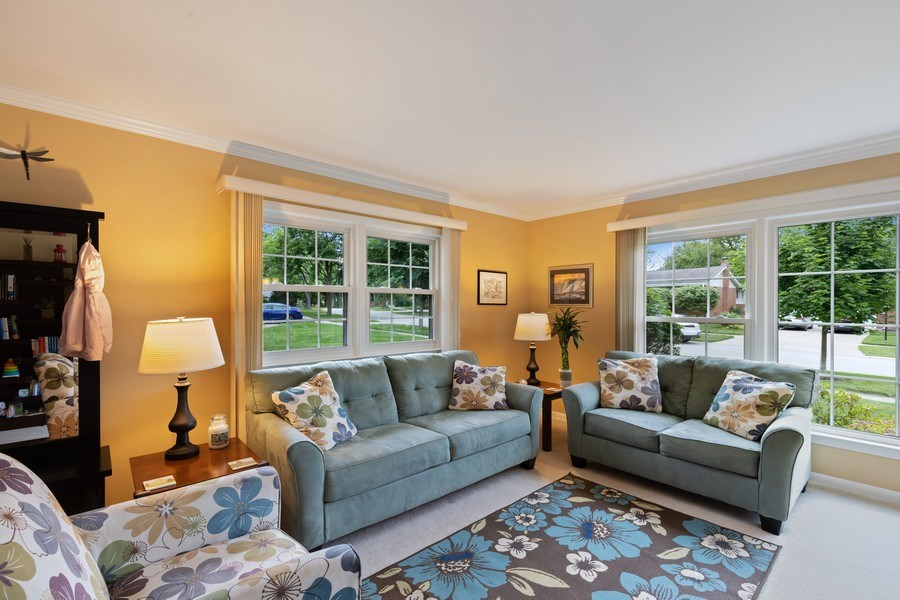 Real Estate Photography - 216 S. Yale Avenue, Arlington Heights, IL, 60005 - Living Room