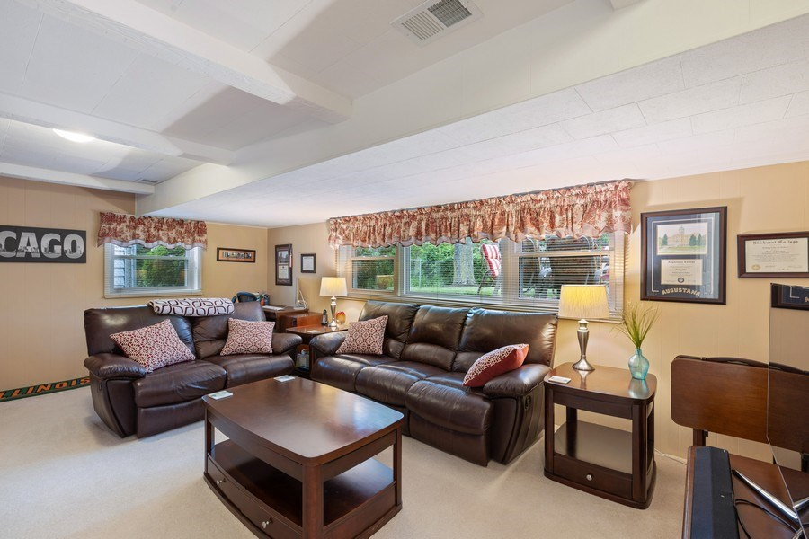 Real Estate Photography - 216 S. Yale Avenue, Arlington Heights, IL, 60005 - Family Room