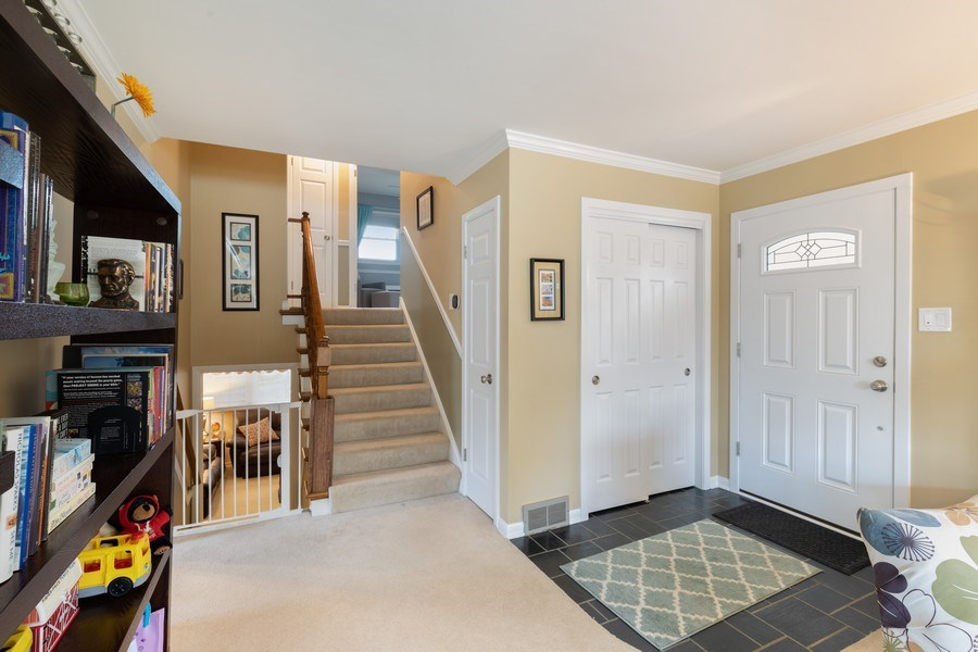 Real Estate Photography - 216 S. Yale Avenue, Arlington Heights, IL, 60005 - Foyer