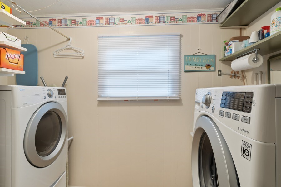 Real Estate Photography - 216 S. Yale Avenue, Arlington Heights, IL, 60005 - Laundry Room