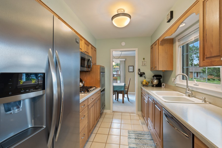 Real Estate Photography - 216 S. Yale Avenue, Arlington Heights, IL, 60005 - Kitchen
