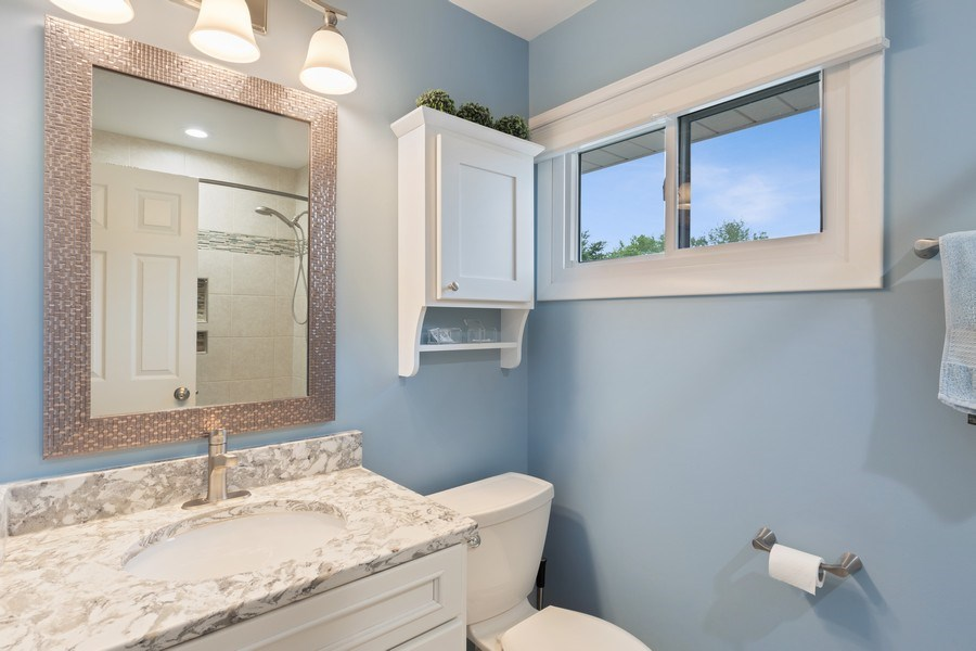 Real Estate Photography - 216 S. Yale Avenue, Arlington Heights, IL, 60005 - Bathroom