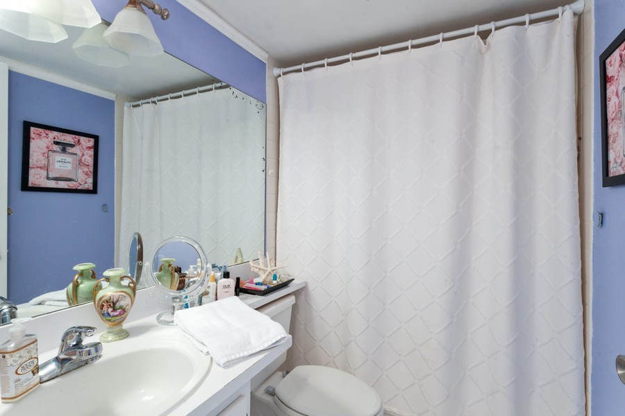 Real Estate Photography - 770 Cloaughton Island Dr, Unit 806, Miami, FL, 33131 - Bathroom