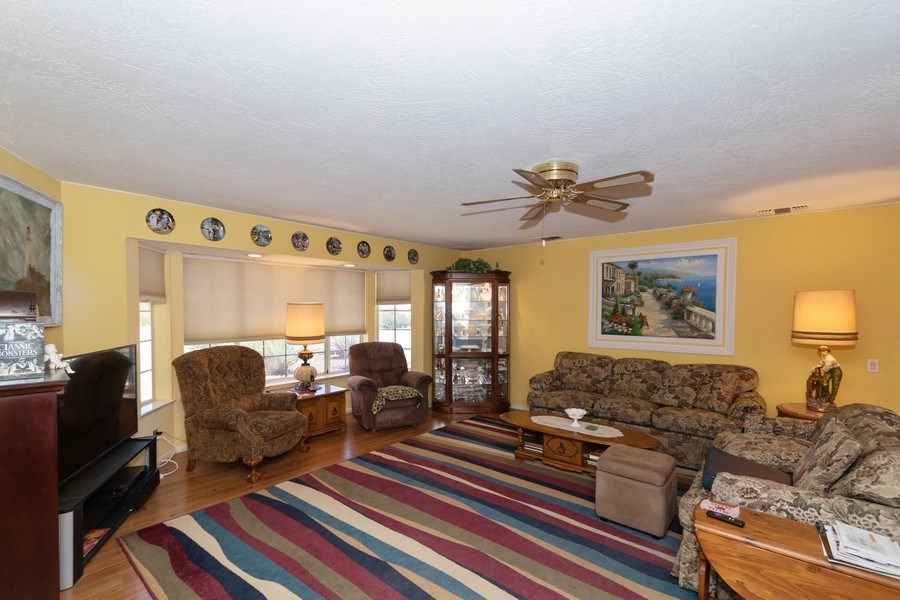 Real Estate Photography - 16401 Nosoni Rd., Apple Valley, CA, 92307 - Living Room