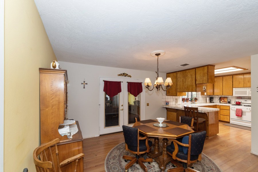 Real Estate Photography - 16401 Nosoni Rd., Apple Valley, CA, 92307 - Dining Room