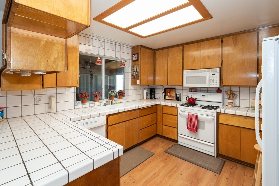 Real Estate Photography - 16401 Nosoni Rd., Apple Valley, CA, 92307 - Kitchen