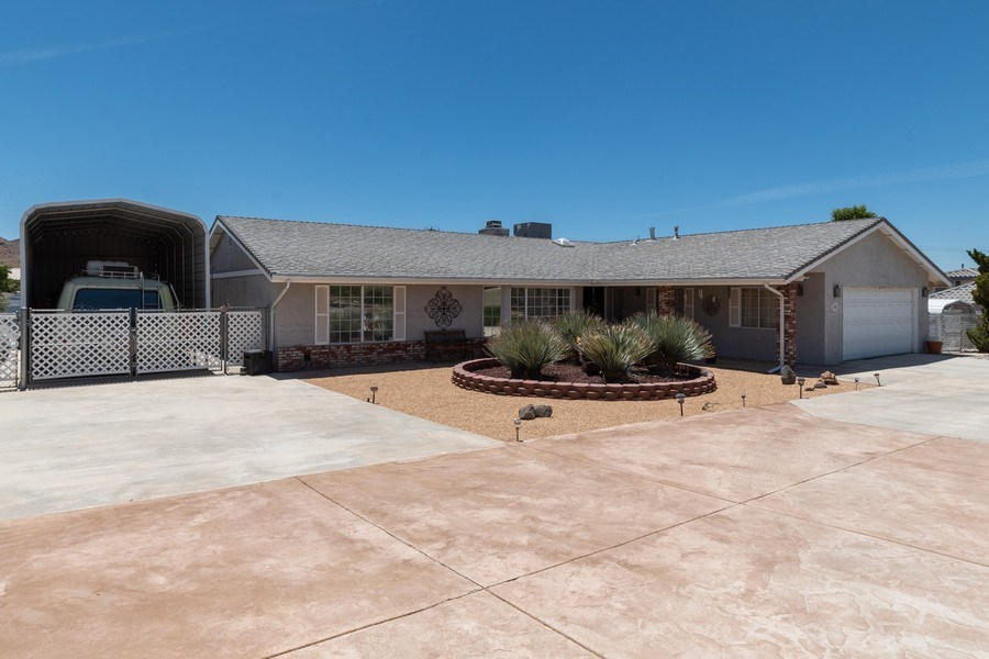 Real Estate Photography - 16401 Nosoni Rd., Apple Valley, CA, 92307 - Front View