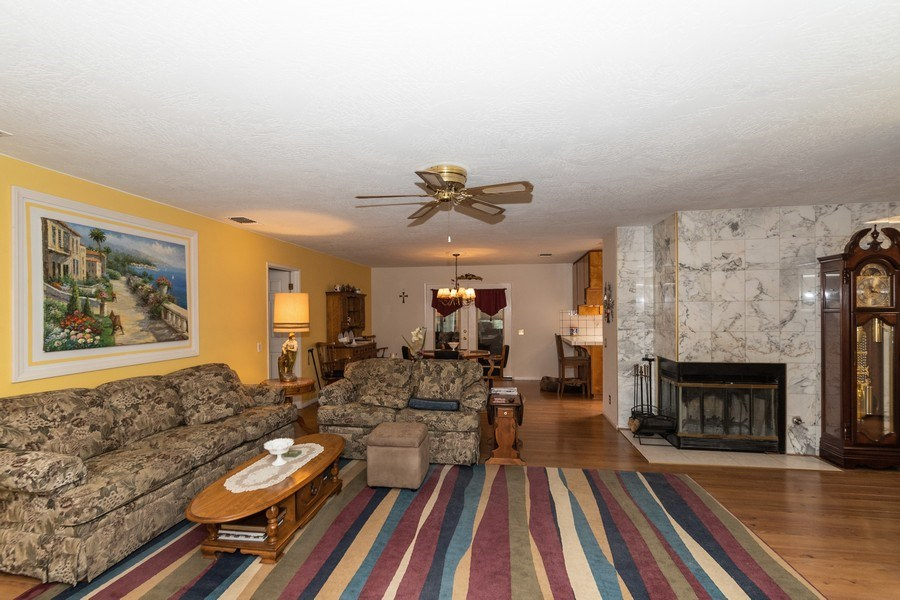 Real Estate Photography - 16401 Nosoni Rd., Apple Valley, CA, 92307 - Living Room / Dining Room