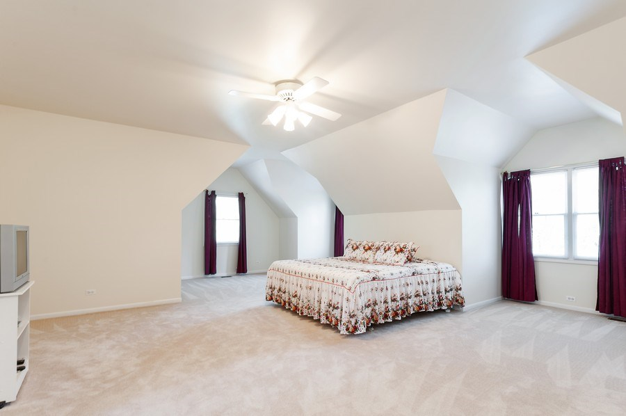 Real Estate Photography - 704 Fieldale Ln, Grayslake, IL, 60030 - Master Bedroom