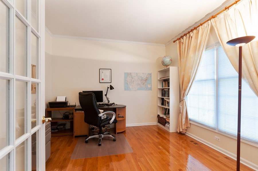 Real Estate Photography - 704 Fieldale Ln, Grayslake, IL, 60030 - Office