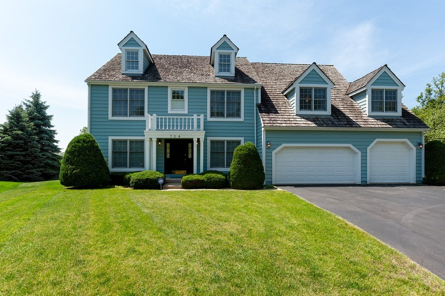 Real Estate Photography - 704 Fieldale Ln, Grayslake, IL, 60030 - Front View