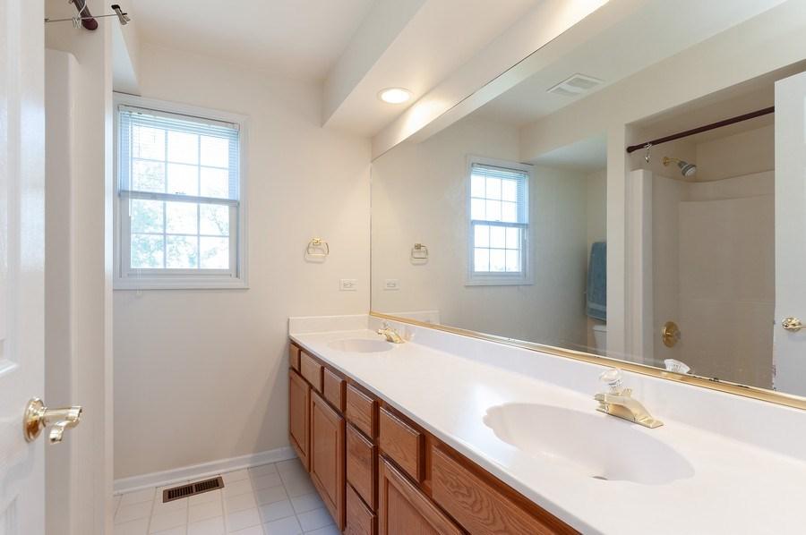 Real Estate Photography - 704 Fieldale Ln, Grayslake, IL, 60030 - Bathroom