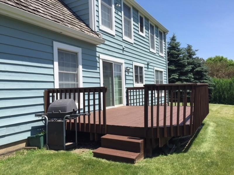 Real Estate Photography - 704 Fieldale Ln, Grayslake, IL, 60030 - Deck