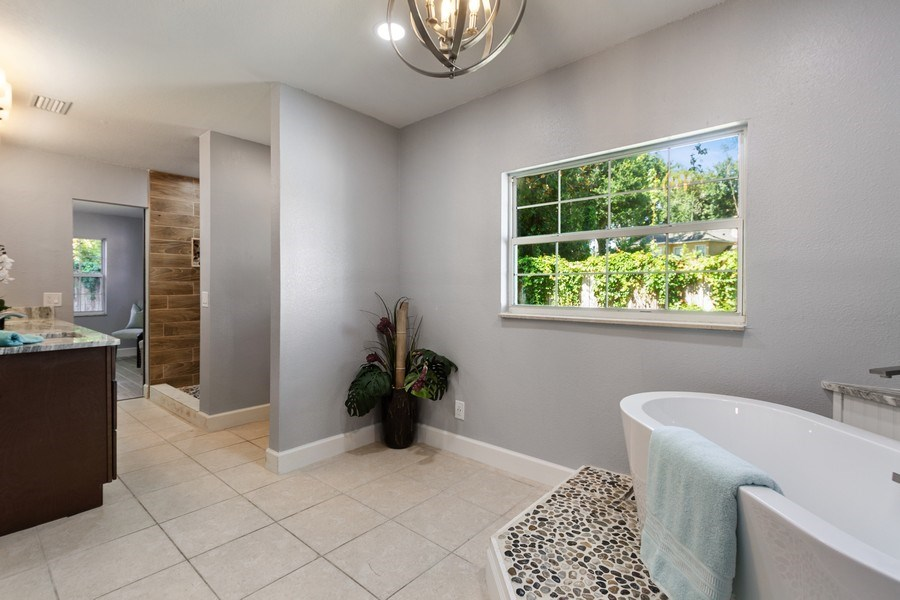 Real Estate Photography - 11154 Park ave, Windermere, FL, 34786 - Master Bathroom