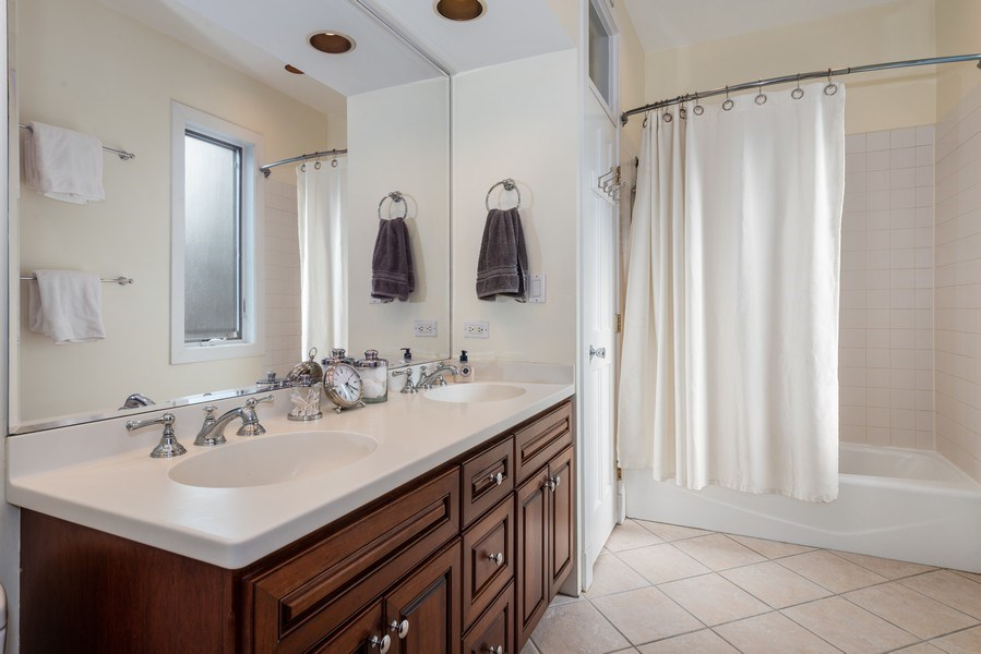 Real Estate Photography - 1730 Wells St, Chicago, IL, 60614 - Master Bathroom