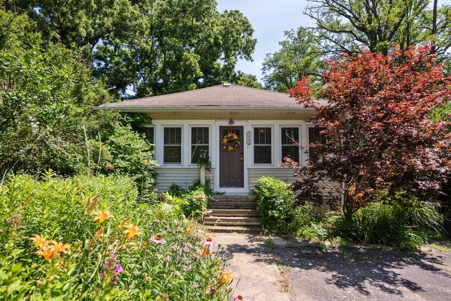 Real Estate Photography - 112 Park St, Algonquin, IL, 60102 - Front View