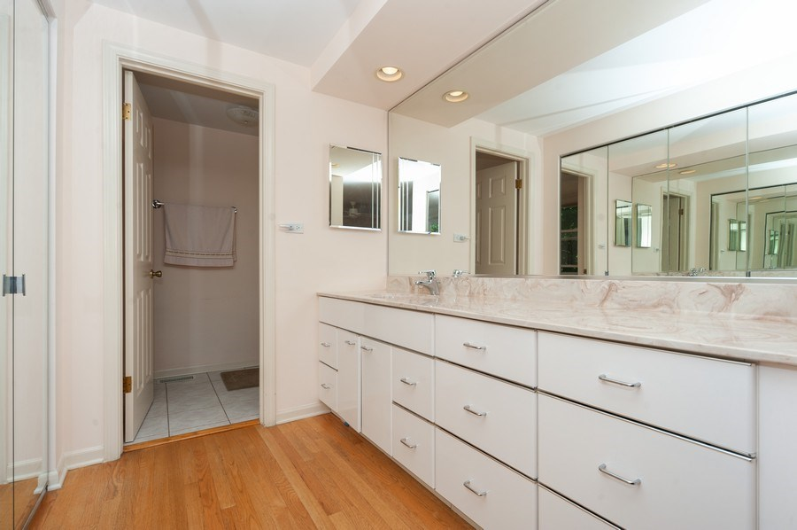 Real Estate Photography - 3920 Miller Dr, Glenview, IL, 60025 - Master Bathroom